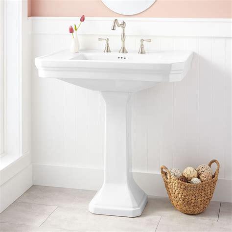pedestal sink bathroom ideas 25 best ideas about pedestal sink on pedistal