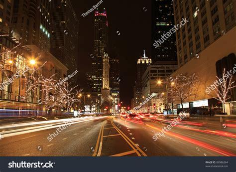 Beautiful Holiday Lights On Michigan Avenue In Chicago Michigan Avenue Lights