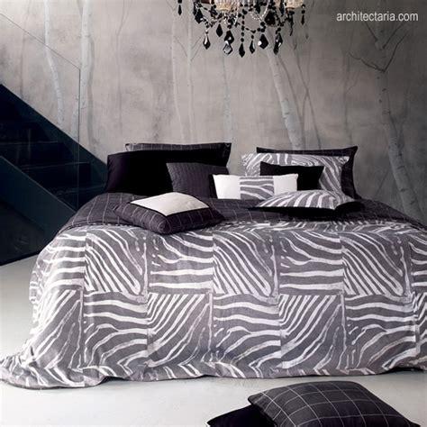 desain kamar hitam putih mendekorasi kamar tidur dengan motif zebra pt