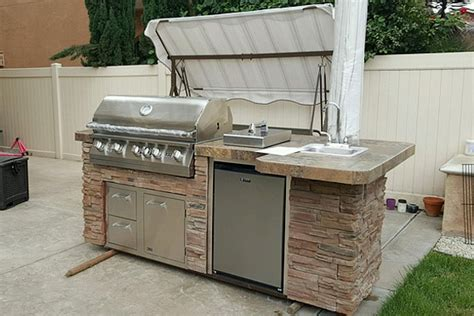 sedona by lynx deluxe bbq island with 30 inch natural gas bbq island stone evo bbq island western outdoor bbq