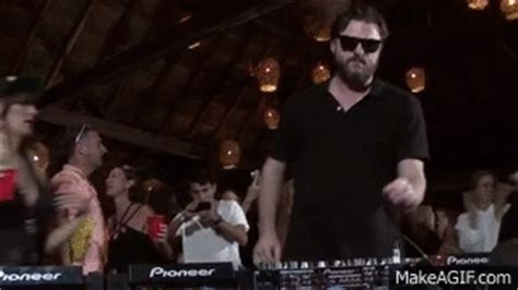 solomun boiler room solomun boiler room tulum dj set on make a gif