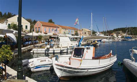 boat plans eu eu unveils plans to pay fishermen to catch plastic pong