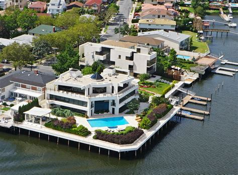 drive home intergalactic mill basin mansion returns for 17m with a