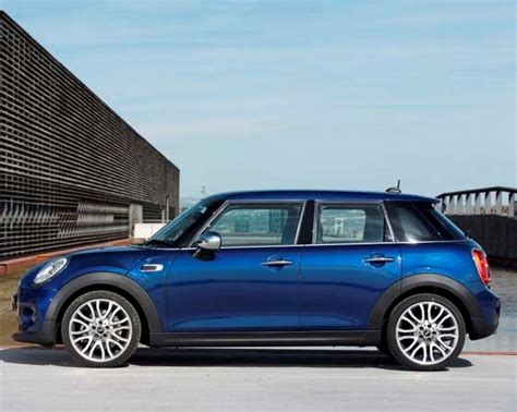 2015 Mini Hardtop 4 door: A stretch in size and appeal