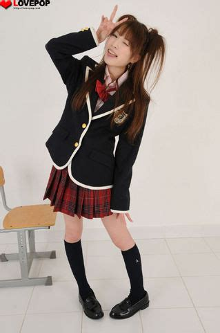 Syari Mimosi lovepop公式ブログ3 0 桃依さら ブレザー ミニスカ