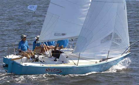 j boats sailboats research j boats j 24 racing sailboat boat on iboats
