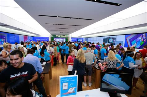 microsoft mobile store celebrate windows 10 launch at microsoft stores in the us