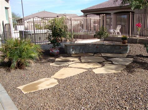 Small Backyard Desert Landscaping Ideas Outdoor Gardening Pebbles And Bushes Desert Landscaping Designs Ideas For Small Yards