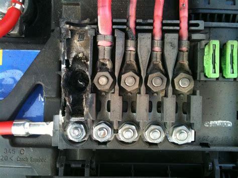 Tas G U C C I 433 polo 6 r repiquage 176 12v sur boite fusible volkswagen