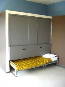 Hide Away Beds For Small Spaces by Diy Hideaway Bed Tiny House Pins