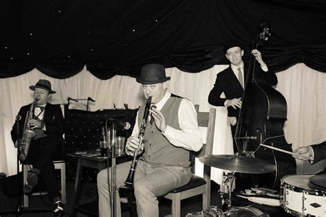 Contact Us   The Jazz Spivs 1920's Band   The Jazz Spivs