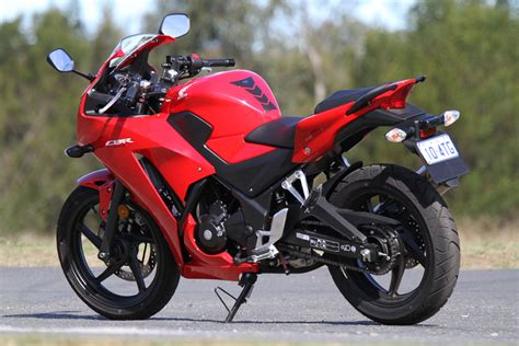 Honda Motorrad Cbr 300 by Tested 2014 Honda Cbr300r Cycleonline Au
