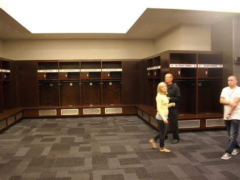 dallas cowboys locker room 17 best images about for charger on polo team houses and bandanas