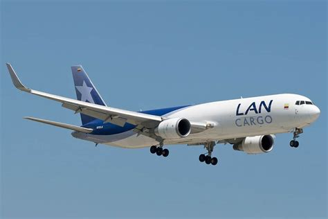 latam cargo chile two weekly flights away from amsterdam schiphol to brussels airport