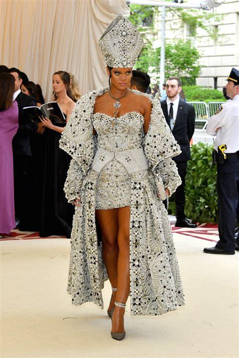 Dress Rihanna rihanna dresses like pope at 2018 met gala carpet