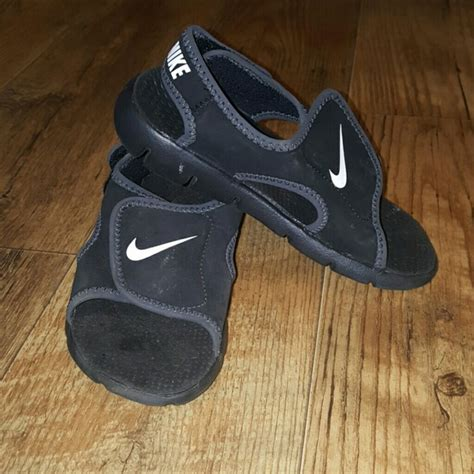 nike velcro sandals 60 nike other nike velcro sandals from