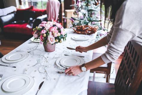 preparare la tavola come preparare la tavola donna moderna