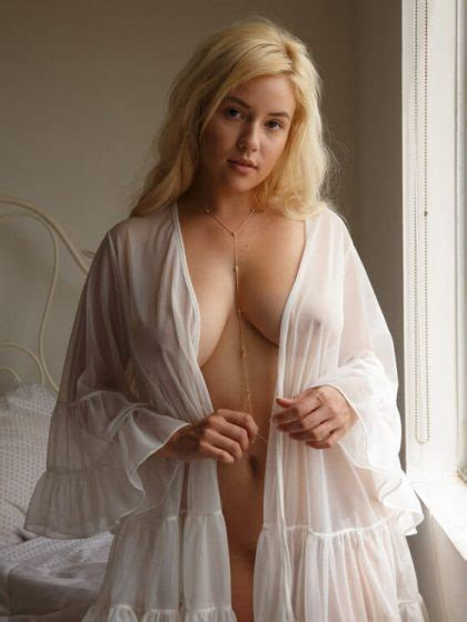 kylie page in sexy dress strips and poses naked for camera porn pics sexy girl and car photos