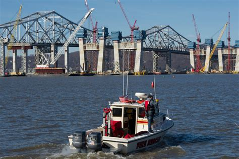 tugboat bridge one dead and two missing after tugboat hits barge near