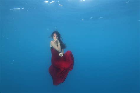 Mermaid Dress Scuba 02 wallpaper sports sea dress mermaids scuba diving freediving 2048x1365 px