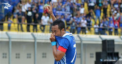 Baju Distro Kaos Uefa League Chions Bola Pria Wanita baju persib newhairstylesformen2014