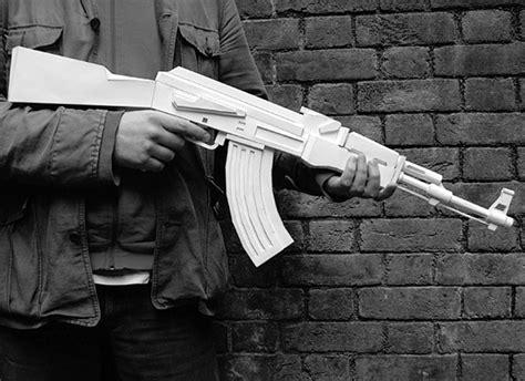 Papercraft Ak 47 - martin postler s papercraft weapons technabob