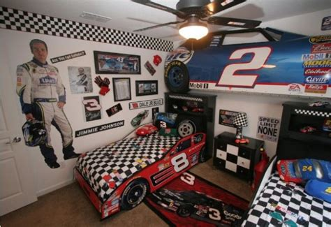 Nascar Bedroom Decor by The Top 20 Car Themed Bedrooms Sub5zero Page 9