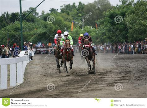 Cacing Wonogiri race editorial photography image 33230972