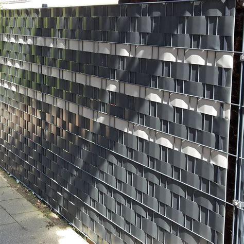 metallzaun mit sichtschutz der gleiche zaun der stra 223 e aus gesehen attraktiver