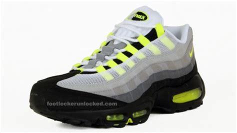 Kaos Kaki Nike Air White 02 nike air max foot locker be