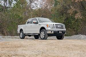 2 5in leveling lift kit w n2 0 shocks for 09 13 ford f 150