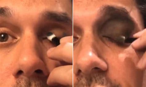 every post has its own story tutorial makeup idul fitri john mayer creates hilarious smokey eye tutorial spoof