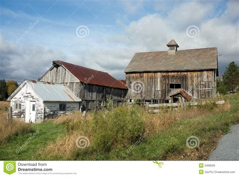 vermont farmhouse old farmhouse in vermont royalty free stock image image