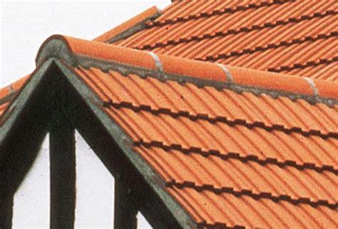 Mortier Pour Tuile Faitiere prix d un fa 238 tage de toiture toutes les techniques