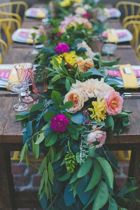 Fresh Floral Table Runners Make The Perfect Wedding Fresh Flower Table Centerpieces