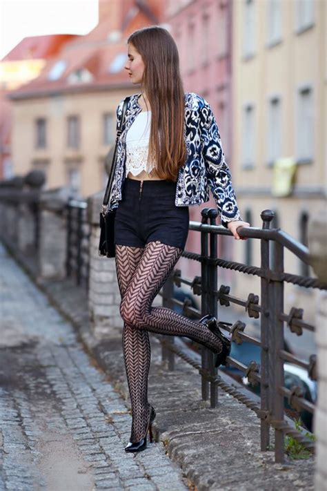 ways   wear patterned tights   fabulous