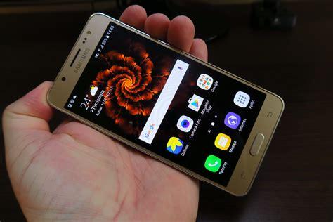 Samsung J5 Selfie Samsung Galaxy J5 2016 Review Selfie Phone With