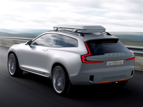 next volvo v40 to spawn xc40 crossover and phev