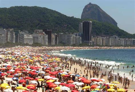 copacabana praia hotel file copacabana de janeiro 330 r 233 veillon no de janeiro brasil vip passagens a 233 reas