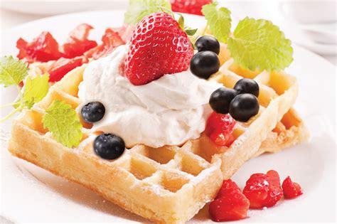 como decorar waffles una mesa dulce mas sana