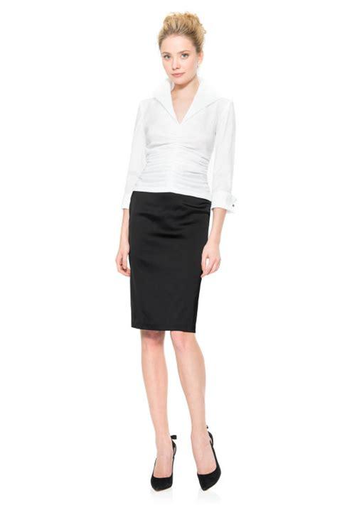 stretch satin pencil skirt in black tadashi shoji