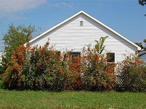 houses for sale in north vernon indiana 766 n elm street north vernon in 47265 reo home details