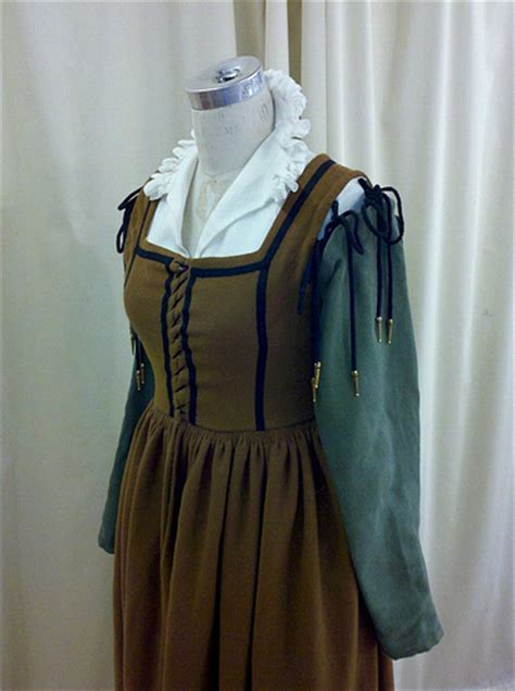 italian medieval middle class 16th c italian working class ensemble renaissance