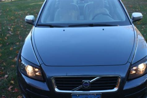 purchase   volvo   hatchback  door   potomac maryland united states