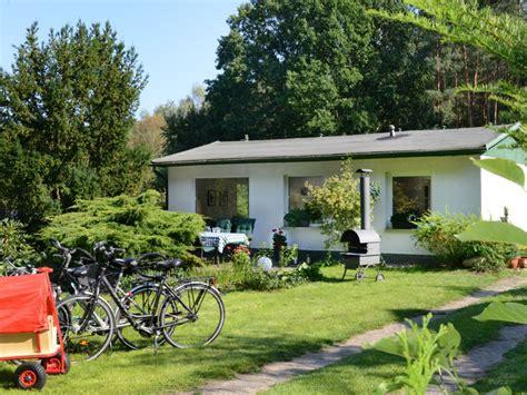 ferienhaus mit eingezäuntem garten ferienhaus caputh brandenburg frau monika busse