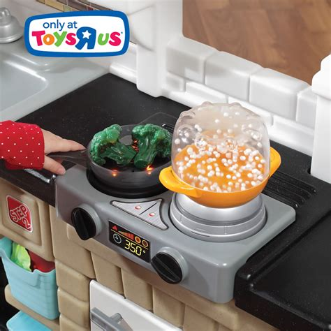 Magic Kitchen 2 by Mixin Up Magic Kitchen Retailer Exclusives Step2