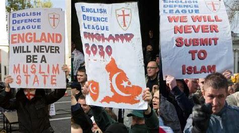 Bejat Zakat edl anti islam placards alislamu