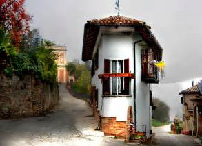 The Narrowest House In The World The Smallest House In The World Images Amp Pictures Becuo