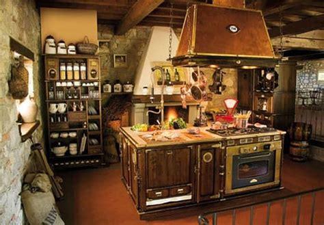 cucine vecchio stile cucina in legno componibile vecchio stile cappa in rame