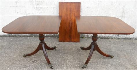 mahogany extending dining table in the antique georgian